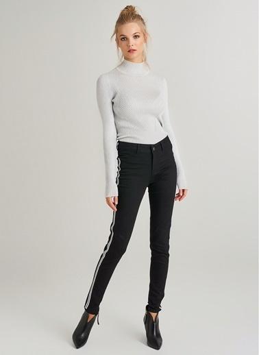 Monamoda Yanı Taş Şeritli Jean Pantolon Siyah